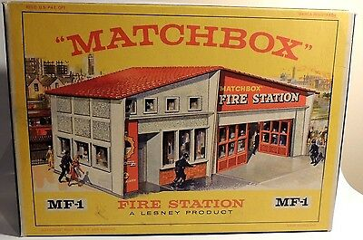 Matchbox Lesney Accessory MF-1b Fire Station Red Roof empty Repro E style Box