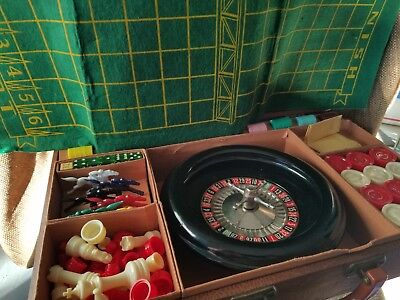 Vintage  Bakelite Lowe Roulette Wheel Game Set Gambling Chips Original