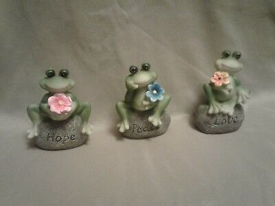 New !!!  3 Frog Special   Saying : Love, Peace, Hope  Made out of Resin