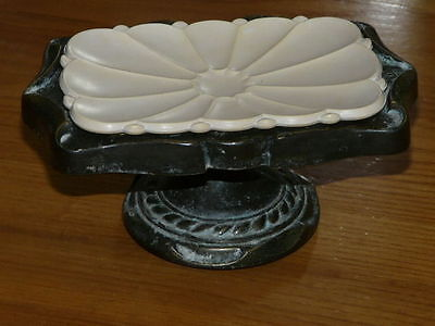 Vintage Amerock Pedestal Counter Soap Dish Holder