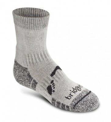 (UK Childs 12.1, Charcoal) - Bridgedale Boy's Coolfusion Hike Socks