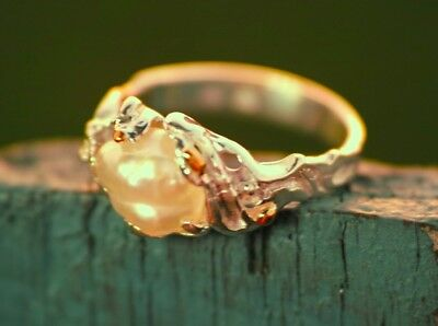 Keshi pearl ring in fine silver/22ct gold