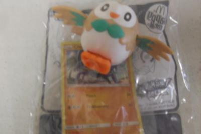 McDonald's Happy Meal Toy-Pokemon Sun Moon-ROWLET-New In Sealed Packet