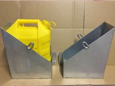 PAIR L & R HEAVY DUTY JERRY CAN HOLDER,off Road,camper,caravan ,canopy