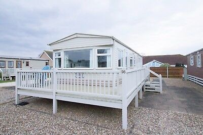Caravan for hire near Great Yarmouth in Norfolk, short breaks and Dog friendly.