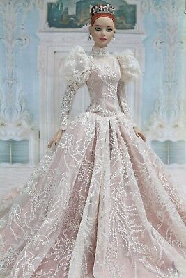 """Outfit  for  American model 22"""" Tonner doll"""