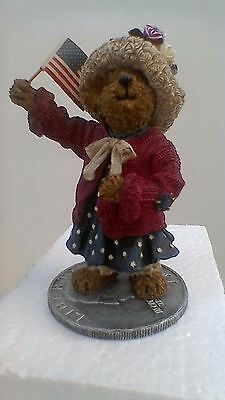 Boyds Bears resin sculpture, Eleanore Bearsevelt...God Bless America, No:227789