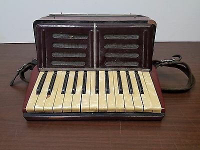 Vintage La Paloma Student 25/32 Piano Accordion For Repair