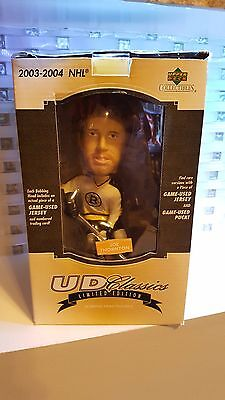 2003-04 NHL Upper Deck UD Classics Bobble Head Joe Thornton only 300 Autograph !
