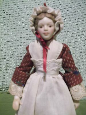 """AVON Porcelain Fashion of America 1987 9"""" Pioneer Doll with stand well-detailed"""