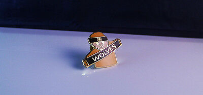 Wolverhampton Wanderers / Wolves  -  Supporter   Badge