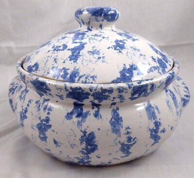 "Kentucky Bybee Pottery 7"" Blue & White Spongeware Covered Casserole Dish"