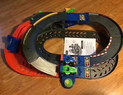 Fisher-Price Shake 'n Go Spinout Speedway With 2 Cars Complete Racetrack Cars