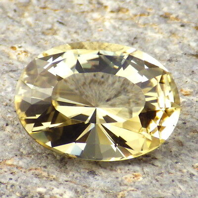 GOLDEN OREGON SUNSTONE 8.30Ct FLAWLESS-VERY BRILLIANT GEMSTONE FOR TOP JEWELRY!