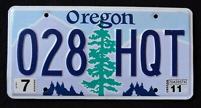 """OREGON """" TREE - MOUNTAINS - 028 HQT """" OR Graphic License Plate"""