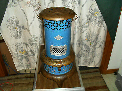Antique NESCO Blue Porcelain (Perfect Oil Heater) No 0190 Mica Glass ( WORKING )