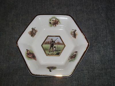 Pointers of London ceramic dish 17cm hunting dogs