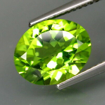 3.43Ct.Ravishing Color! Shimmering Lustrous Natural Green Peridot Pakistan