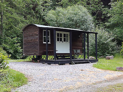 Devon Glamping in Style, Shepherds Hut in the Blackdown Hills