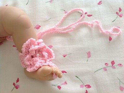 New Baby Girl Barefoot Crochet Handmade Sandal Shoe Pink/White VERY soft 0-3 yrs