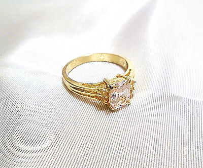 Vintage Gold Tone & Clear Square Cubic Zirconia Stone Ring w/ 4 Small Round
