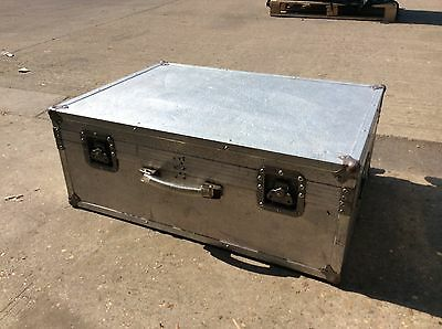 Flight Case for Disco DJ Equipment Cables Leads on Wheels