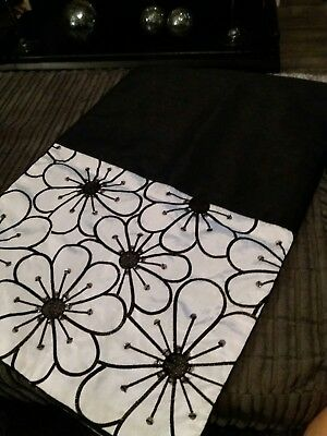 Black and ivory table runner