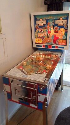 A VERY VERY Unique Concours 1965 Gottlieb Hi-Dolly 2 player Pinball Machine