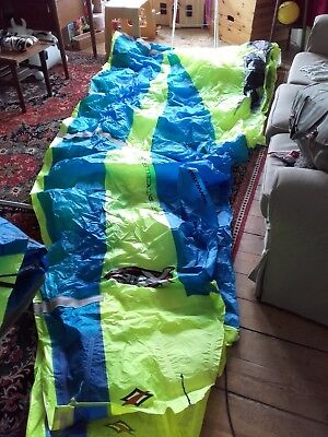 2 Naish power kites for kite surfing. 1 AR-5 7.5m 1 ARX 11.5m Bar and lines