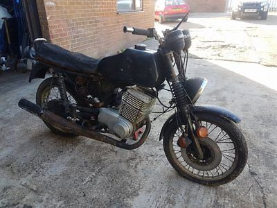 MZ ETZ300 classic motorbike in need of restoration ?barnfind?