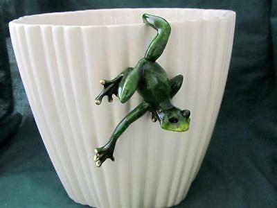 GREEN FROG Hang on Pot TROPIC CRITTER Golden Pond RESIN Realistic Sculpture
