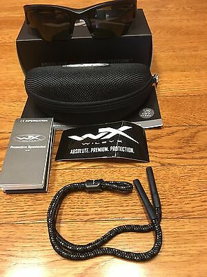 54e6cae033 New Wiley X Valor Sunglasses Smoke Grey Lens Matte Black Frame CHVAL01 +  Extras