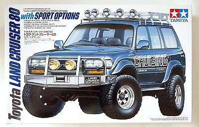 TAMIYA 1/24 Toyota Land Cruiser 80 with sports options #24122 (2015) scale model