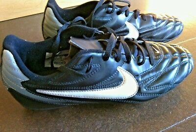 Nike Black White Silver Soccer Cleats Size 5.5Y Elite Baseball Shoes Youth Boots