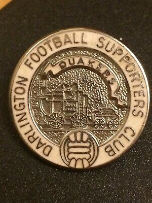 """Darlington Football Supporters Club """"quakers"""" Old Enamel Pin Badge By Parry"""
