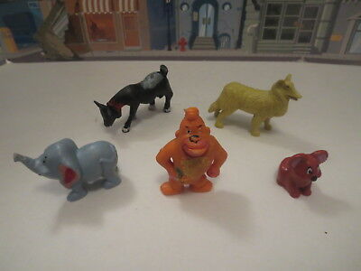 Vintage Lot Of Plastic Figure Dumbo,collie,gorilla Solid Plastic