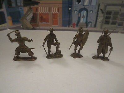 Vintage Lot Of Plastic Figures Soilders