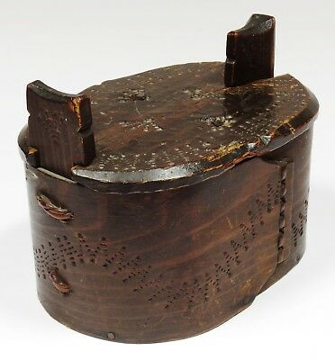 Antique Scandinavian Swedish Bentwood Tina / Tine Box - Chip Carved - Af