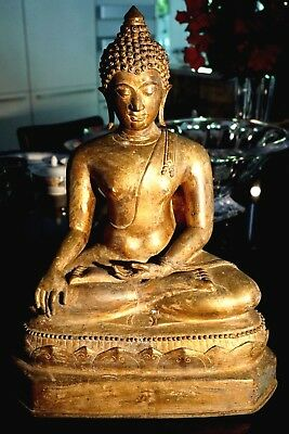 Beautiful Early Chiang Saen Gilt Bronze Buddha