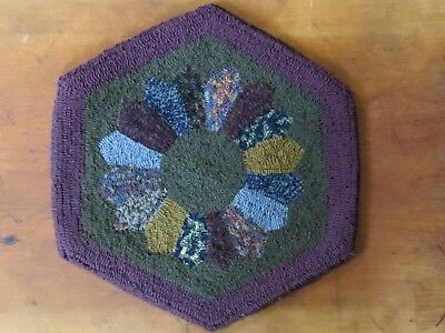 Hand Hooked Rug Table Mat