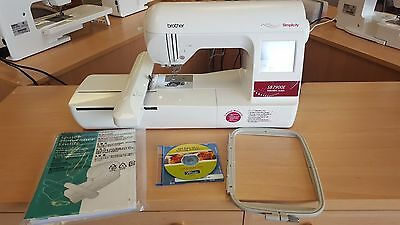 Brother Simplicity SB7900E Embroidery Machine w/ BES Lettering ( 5x7 Hoop )