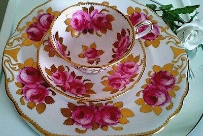 Royal Chelsea Rare Pink Cabbage Rose Trio Set 411A