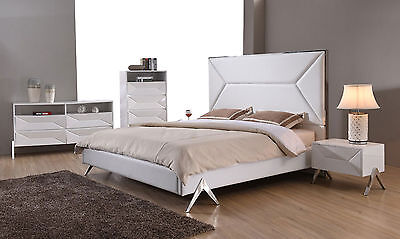 PETRIA 4 pieces White Bedroom Set w/ King Faux Leather Heaadboard Panel Bed NEW