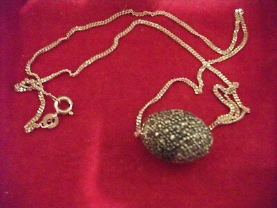 Vintage Jewellery Beautiful Marcasite Barrel Shaped Pendant On A Silver Chain