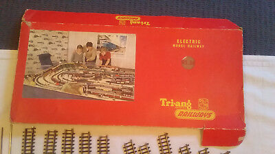 TRI-ANG HORNBY  RAILWAY TRAIN SET - 1960s