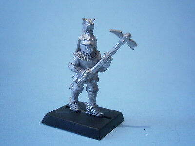 Fantasy Foot Knight with a Warhammer, by Harlequin. Metal