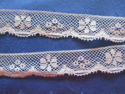 ANTIQUE LENGTH OF SCALLOPED FLORAL COTTON EDGING LACE COLLAR~6 yards x 1/2""