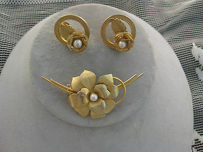 Estate Costume Flower Pearl Clip Earrings and Pin Set Gold Tone