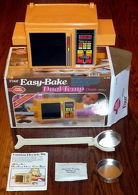 1983 Kenner Dual Temp Easy Bake Oven Model: 15680 Clean, Tested, Working
