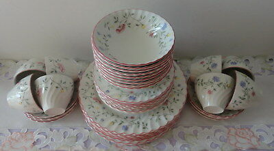 DINNER SET 40 piece - Johnson Brothers - Summer Chintz - Ex Cond - Pick Up OK